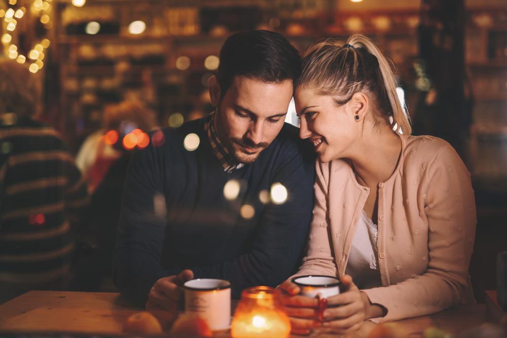 cita romántica pareja