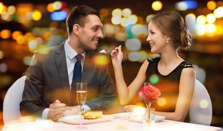 romance cena cita pareja